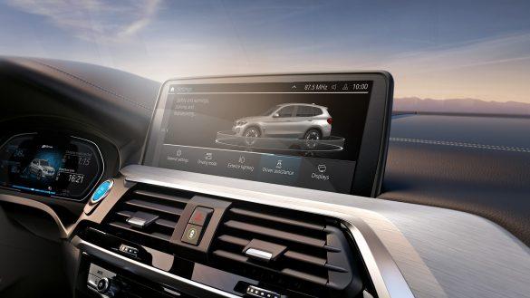 BMW iX3 Fahrerassistenzsysteme